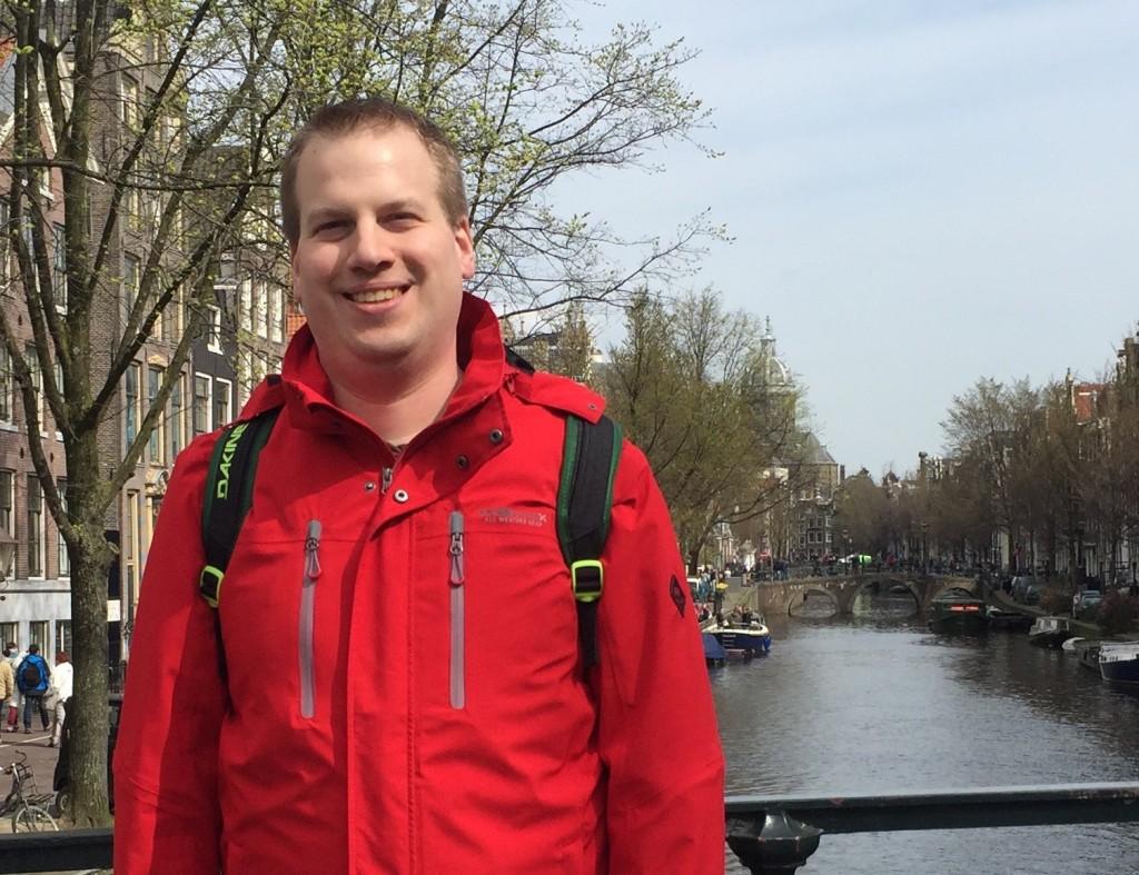 Ich über einer Gracht in Amsterdam im April 2016